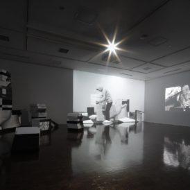 小嶋晶《自分になる》、2019-2020年 写真:来田猛 提供:京都市立芸術大学