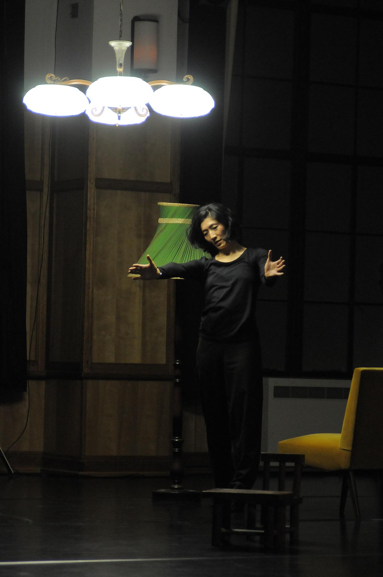 中村恩恵リサーチプロジェクト 2012  performance 『Inner Garden』 photo: Ayako Abe