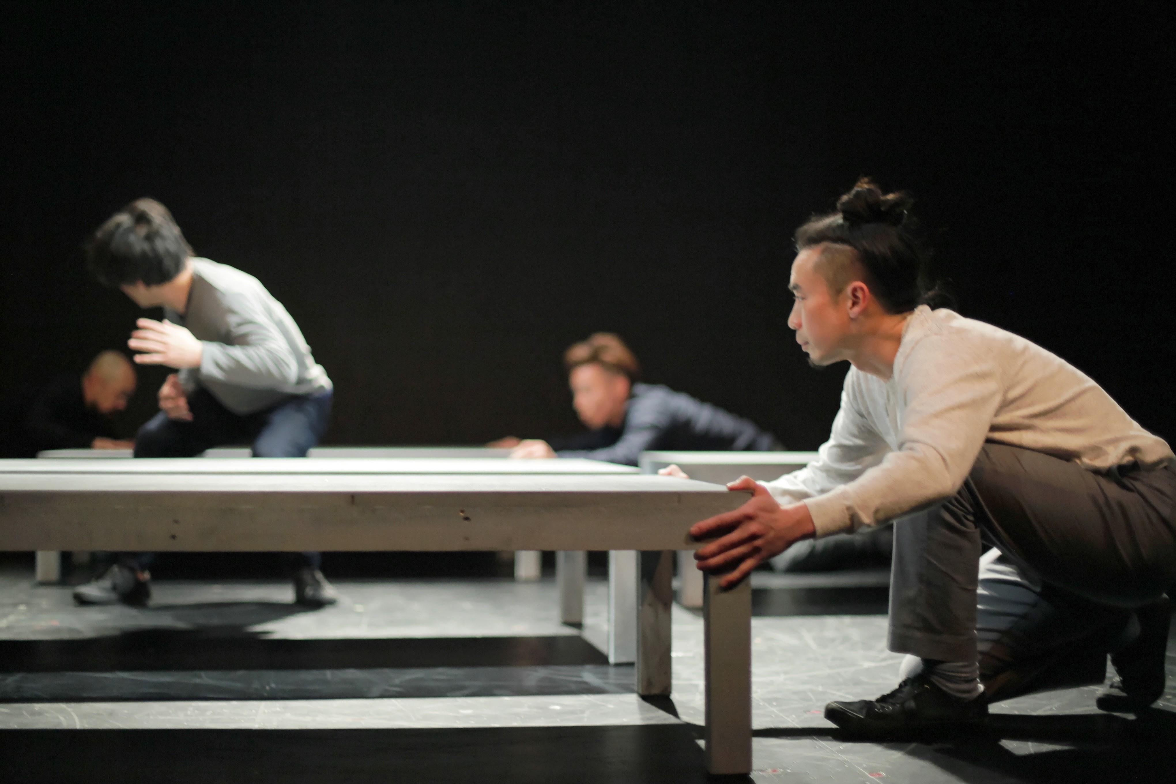 サファリ・P 第2回公演『悪童日記』(アトリエ劇研、2017) 撮影:堀川高(kutowans studio)