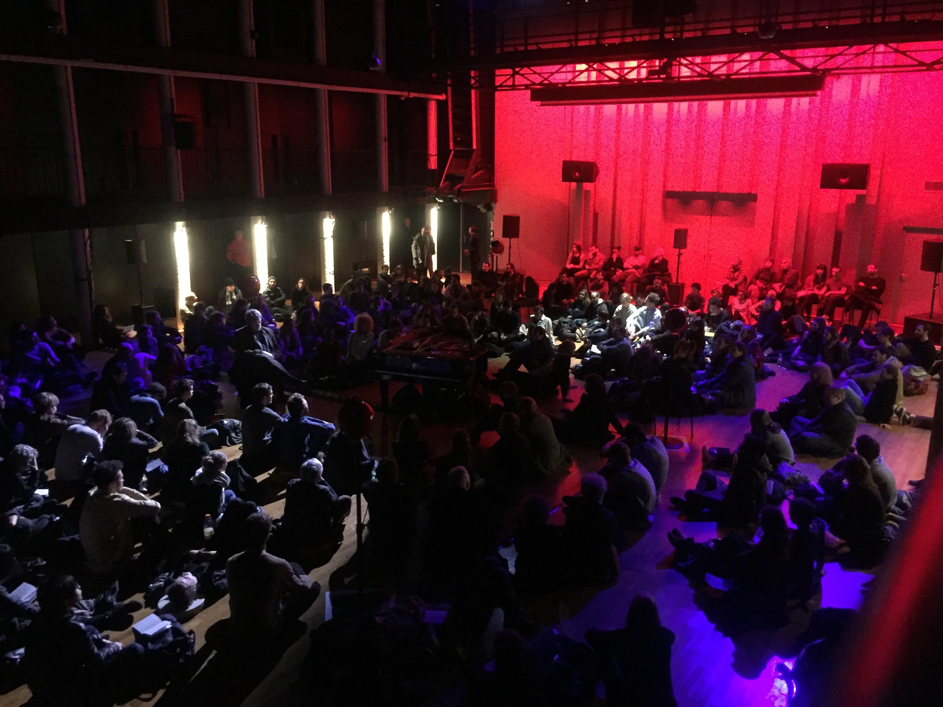 パリ音楽院での電子音響コンサートの様子