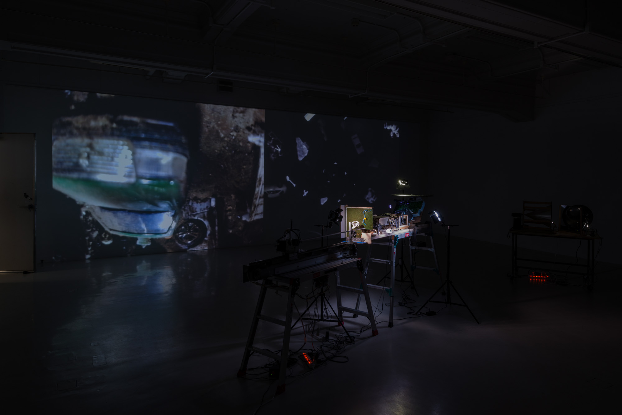新incubation8『ジオラマとパノラマ ――Diverting Realities』展示風景<br />
