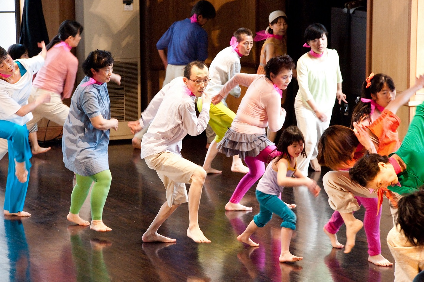 Dance 4 All 2012 『ひとつの明るい建物』 撮影:草本利枝