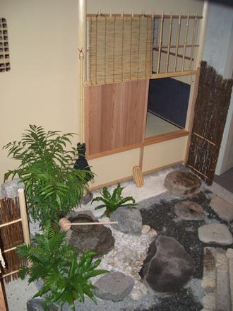 ワルシャワ大学の茶室と露地(飯島氏設計)