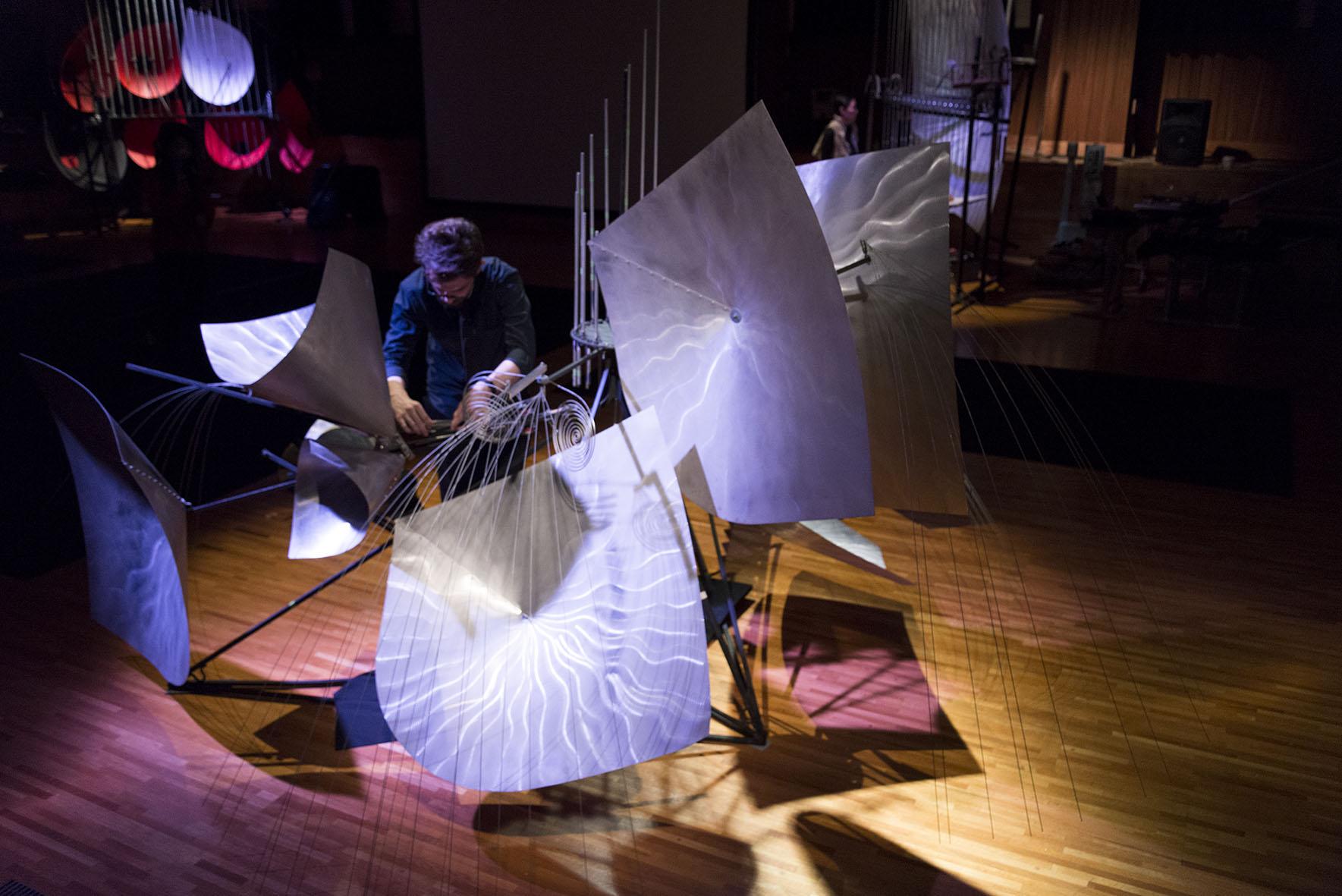 """Marti Ruiz """"Baschet sound sculptures Exhibition&Concert"""" 撮影:守屋友樹"""