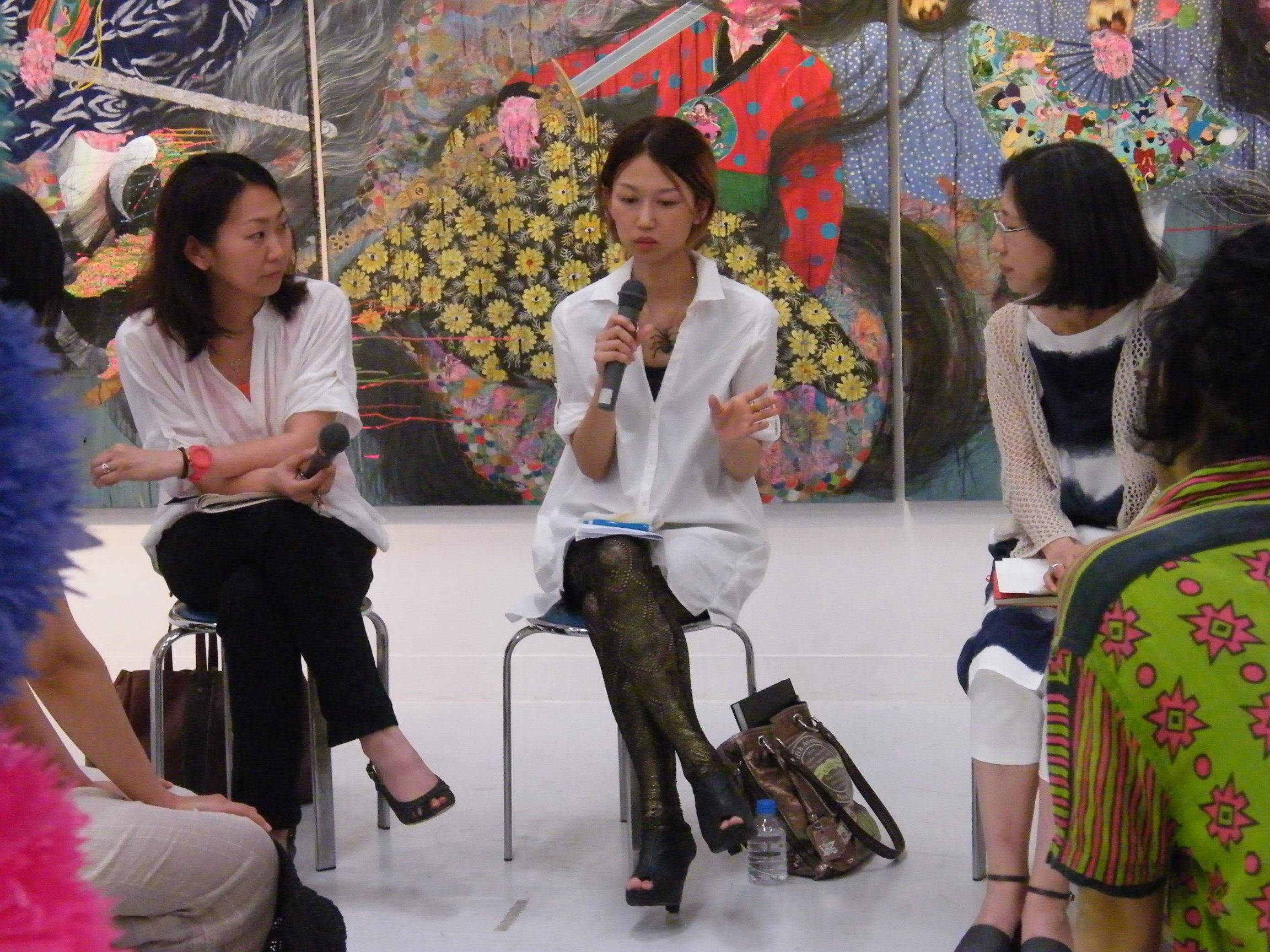 新incubation3 「On a Knife Edge—二つの向こう岸」<br /> 対談「Hyon Gyon×呉夏枝(美術家)」 2011年6月25日