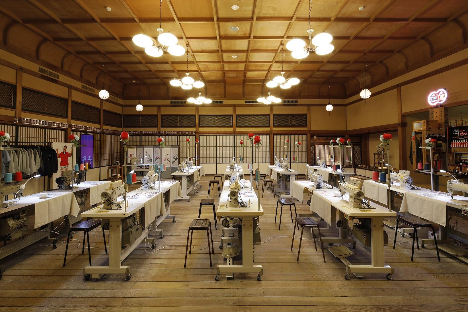 【KYOTO EXPERIMENT】2019グループ展『ケソン工業団地』展示風景<br /> 撮影:来田猛