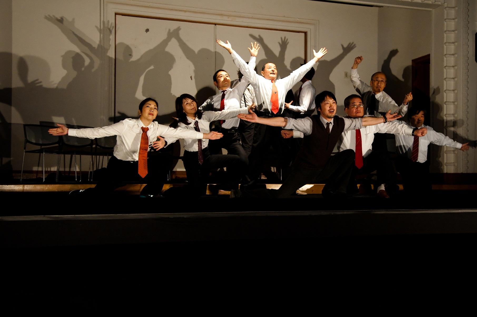 2011年度発表公演の様子 撮影:草本利枝