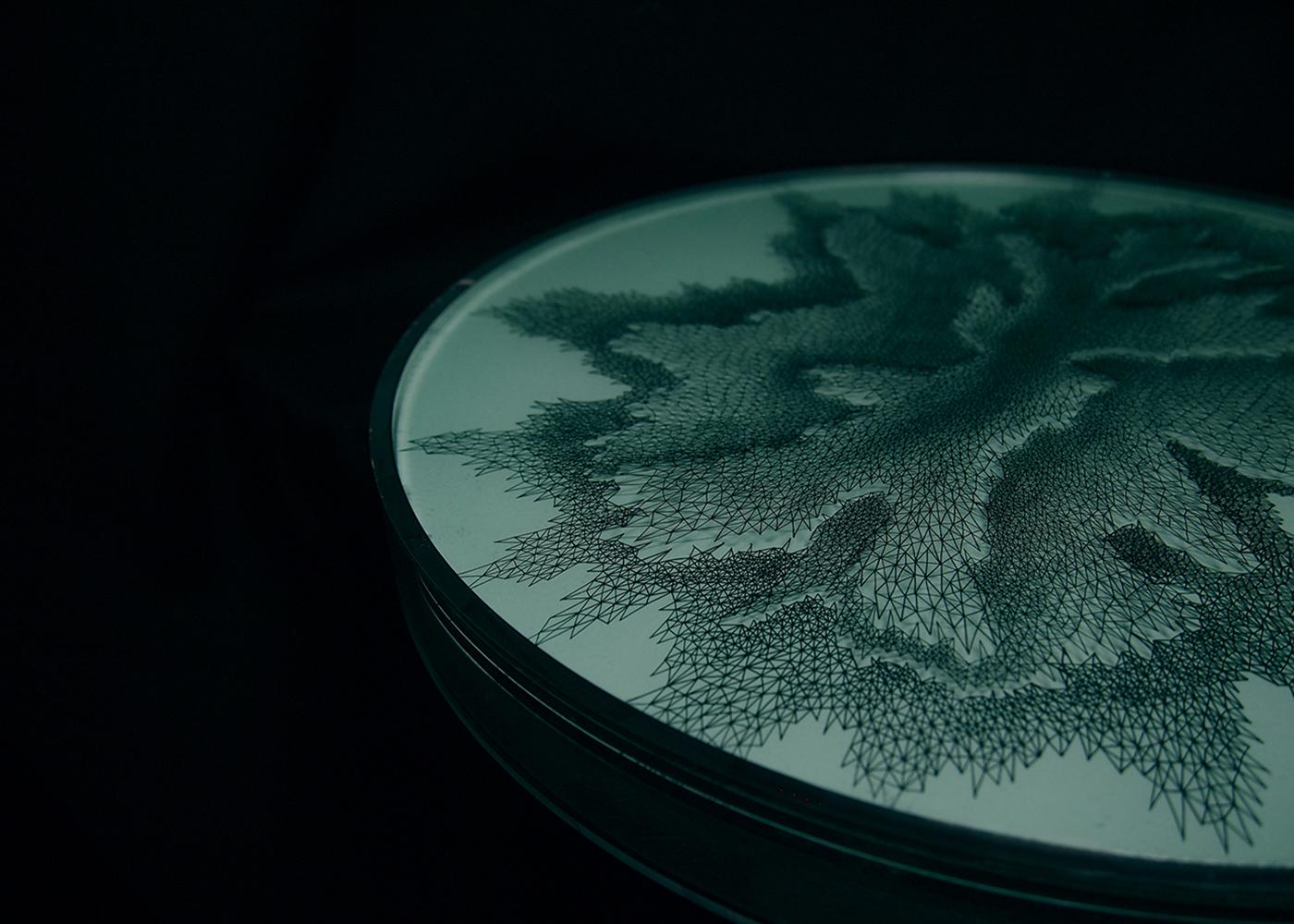 《aether》 2011年、アクリル板、顔料系インク